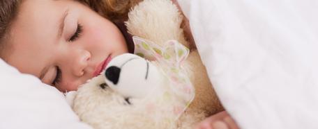 6a083a20a Dormir es una actividad biológica fundamental del ser humano y más aún para  los niños. Durante las horas de sueño se consolida la memoria